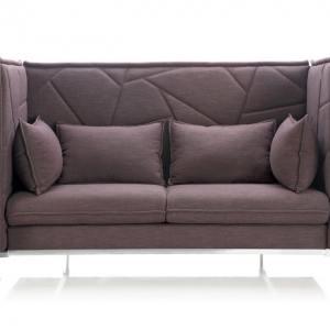 Enclosed 3–Seater Sofa – Highback